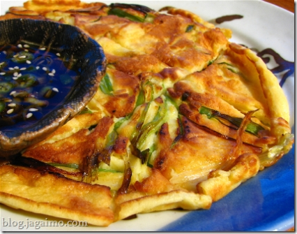 Simple pajeon with sauce