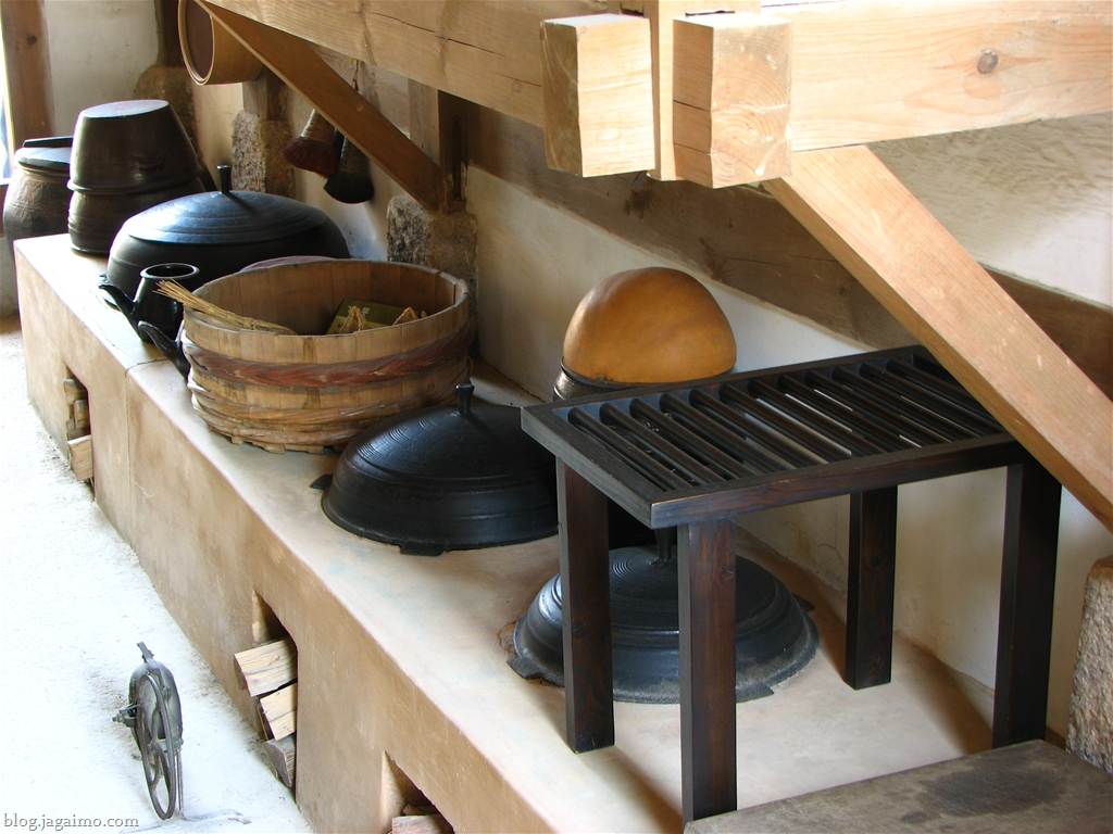 Scenes from an old korean village for Traditional korean kitchen