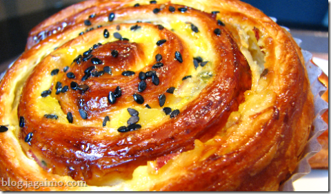 Sweet potato pastry roll