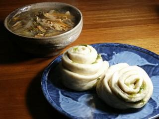 Huajuan and yuba vegetable soup
