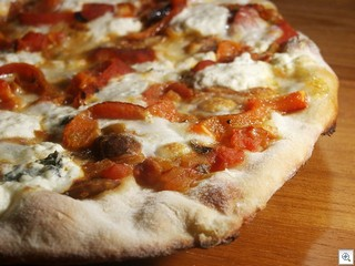 Jagaimo Pizza with roasted red peppers